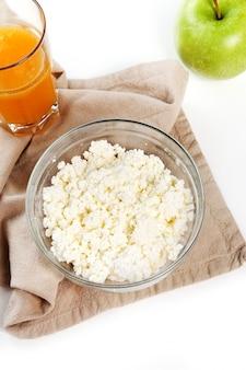 Des aliments sains sur blanc