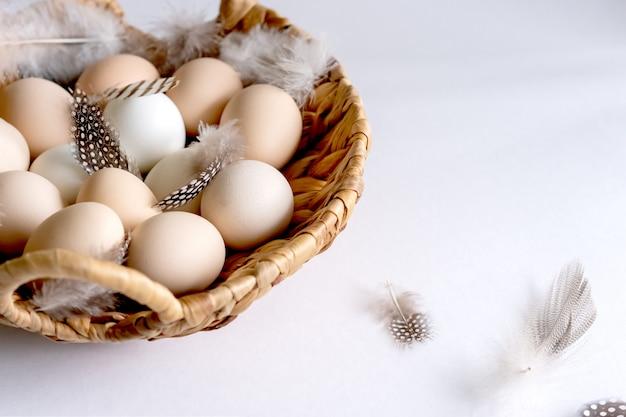 Aliments sains naturels et agriculture biologique, concept de pâques et de printemps.