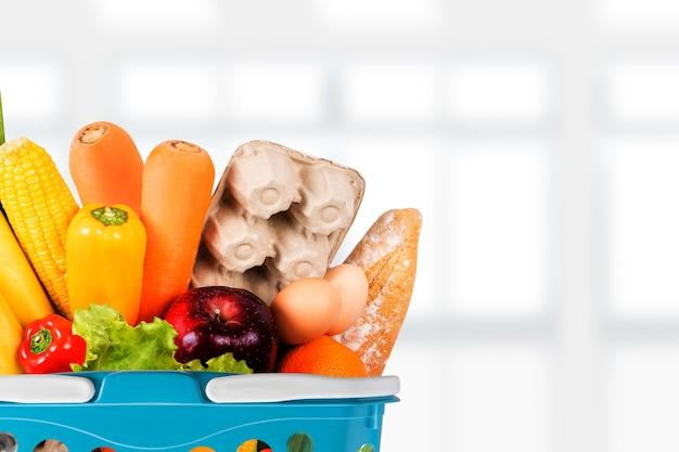 Aliments santé fruits et légumes dans le concept de supermarché épicerie