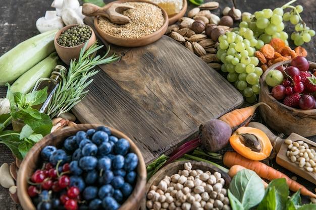 Aliments très riches en antioxydants anthocyanes fibres protéines oméga 3 lycopène vitamines minéraux