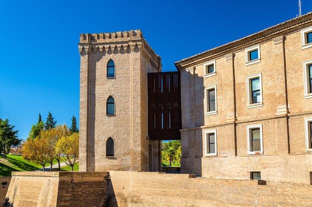 Aljaferia palais islamique médiéval fortifié à saragosse espagne