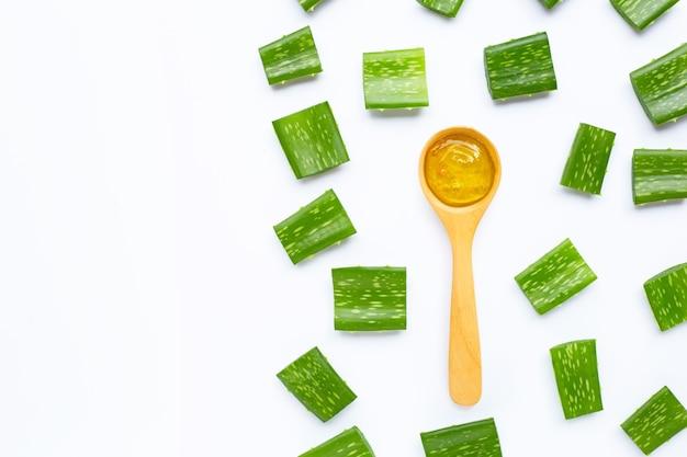 L'aloe vera est une plante médicinale populaire pour la santé et la beauté.