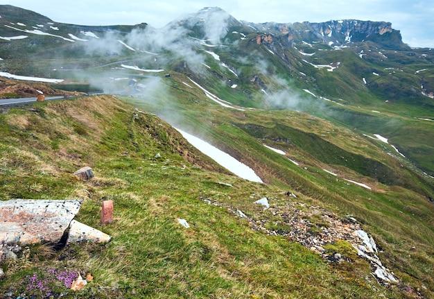Alpes d'été vue sur la montagne depuis la haute route alpine du grossglockner