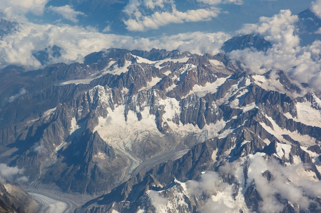 Les alpes italiennes et suisses vues d'avion