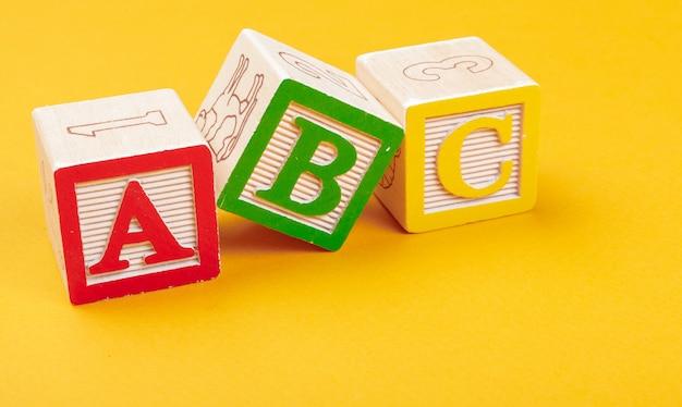 Alphabet bloque abc bouchent, concept de l'éducation