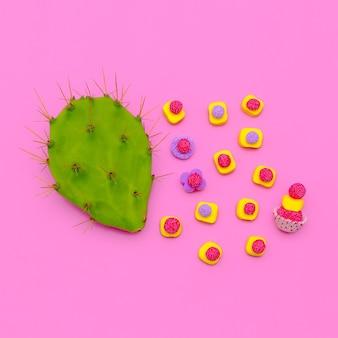 Amant sucré de bonbons et de cactus. flatlay mode minimal