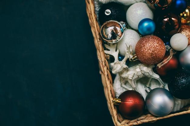 Ambiance du nouvel an cadeau du nouvel an et jouets de noël