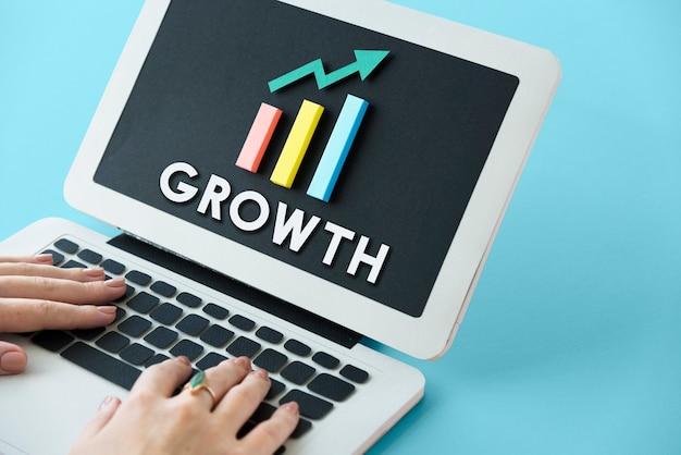 Amélioration du développement de la croissance graphique concept succès profit