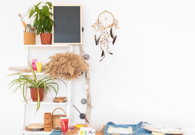 Aménagement D'atelier Avec Des Plantes Photo Premium