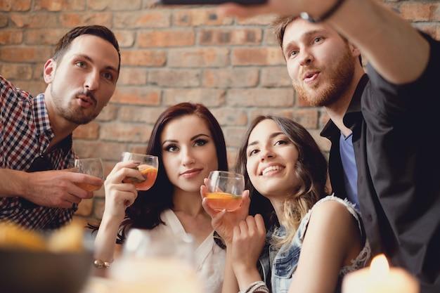 Amis ayant fête