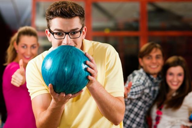 Amis bowling ensemble