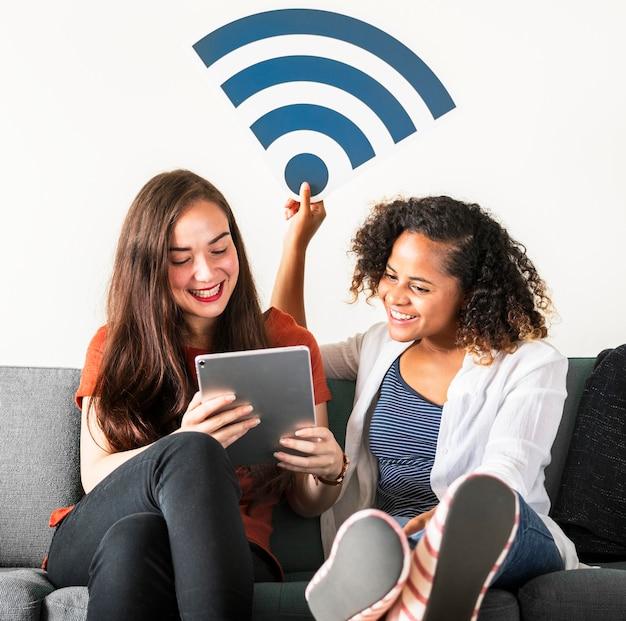 Amis avec icône de signal wifi