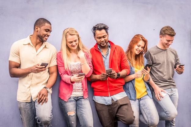 Amis avec les smartphones