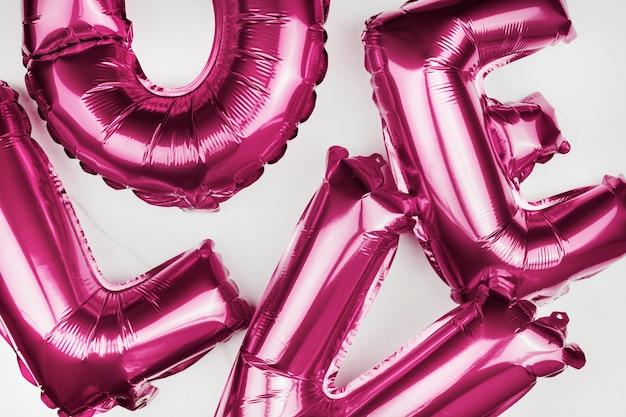 Amour ballons à l'hélium