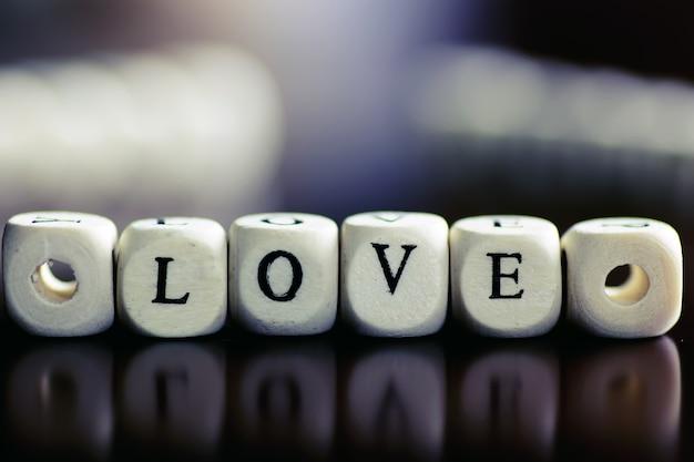 Amour de cube de texte