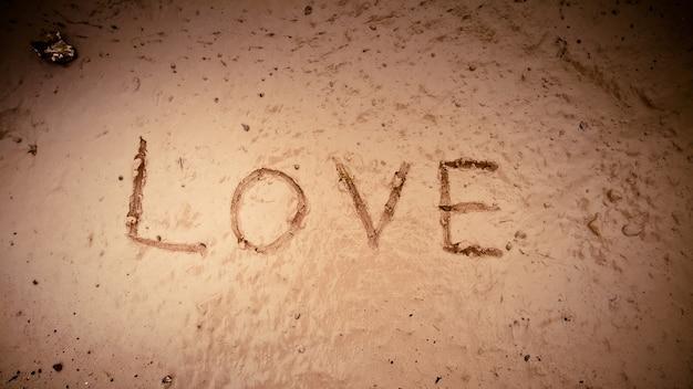 L'amour de la parole sur la boue