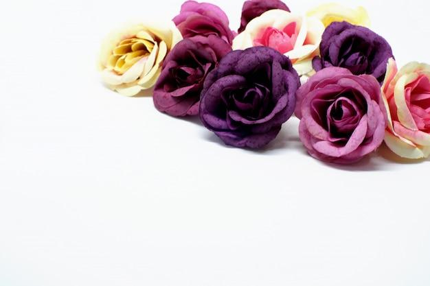 Amour saint valentin fond romantique. de belles roses