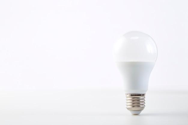 Ampoule led à économie d'énergie