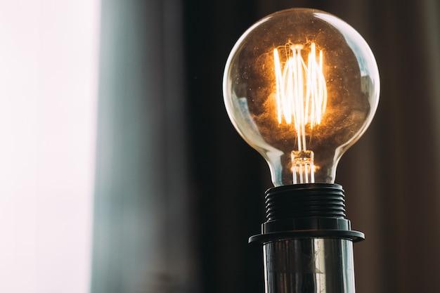 Ampoule lumineuse haute tension