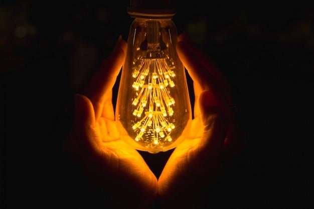 Ampoule à main