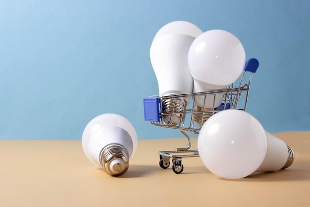 Ampoules led dans un panier