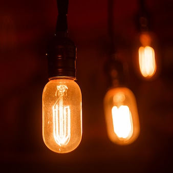 Ampoules vintage avec filament incandescent. incandescent, design rétro.