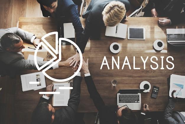 L'analyse des données de l'information insight concept de processus de plan