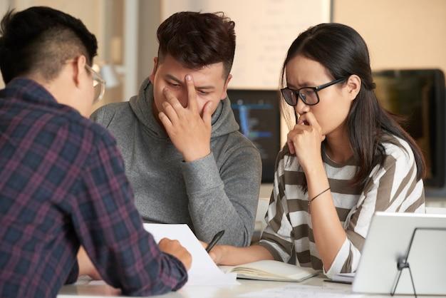 Analyse des résultats de travail avec des collègues