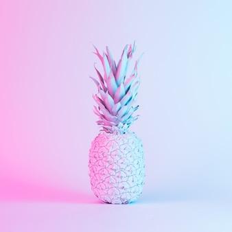 Ananas aux couleurs vives et audacieuses au néon holographique dégradé. art conceptuel. fond de surréalisme minimal.