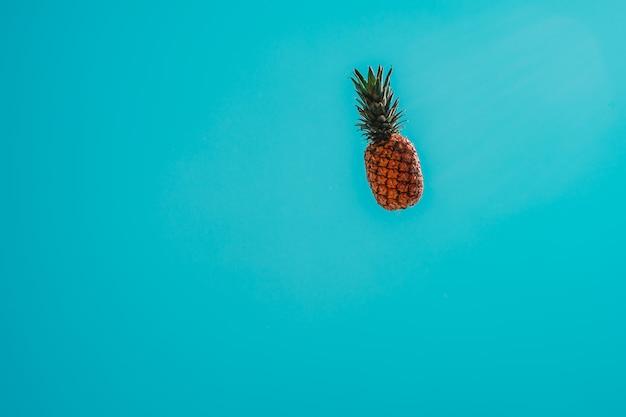 Ananas dans le ciel
