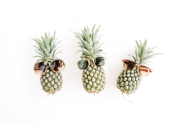 Ananas hipster dans des lunettes de soleil
