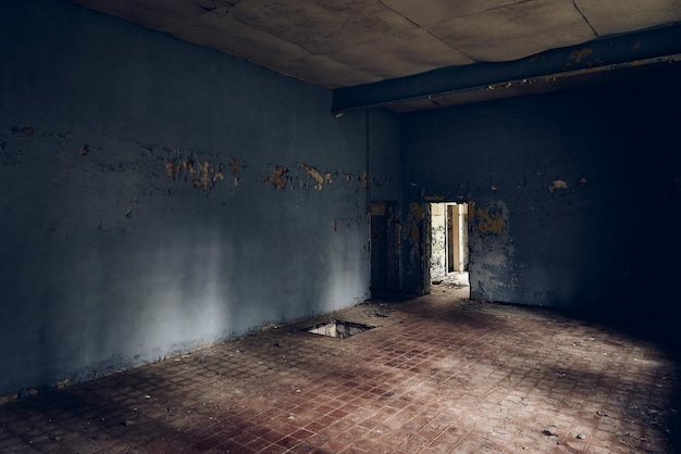 Ancien bâtiment se détériorant avec le temps