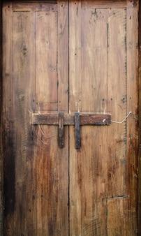 Ancien mur de bois dans la campagne de la thaïlande