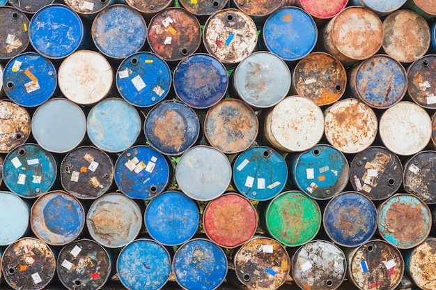Ancien réservoir de carburant, seau en acier pour conteneur chimique, baril de pétrole de l'industrie ou baril de produit chimique