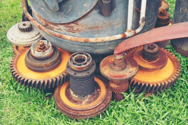Ancien système d'engrenage en acier, filtre vintage image