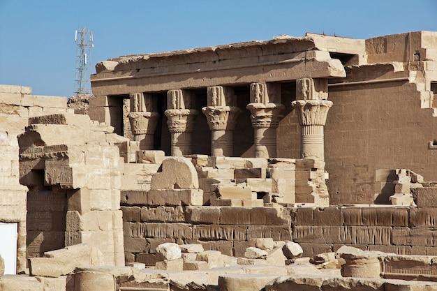 Ancien temple hathor à dendérah, egypte
