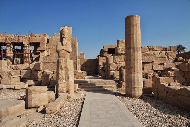 Ancien temple de karnak à louxor, egypte