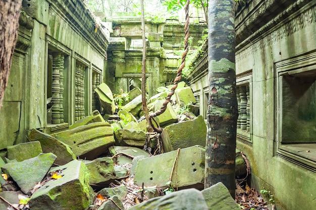 Ancien temple khmer bouddhiste à angkor wat, au cambodge. beng melea