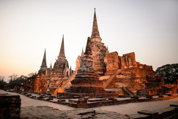 Ancien temple de la province d'ayutthaya (parc historique d'ayutthaya) asie thaïlande
