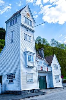 L'ancienne caserne de pompiers de skansen à bergen, norvège