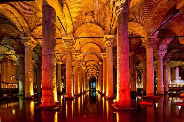 Ancienne citerne basilique d'eau à istanbul, turquie
