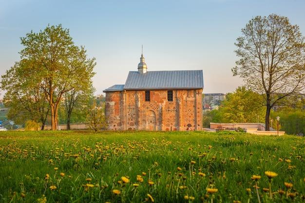 Ancienne église orthodoxe kalozha à hrodna, biélorussie