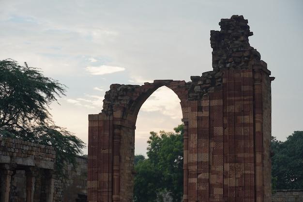 Ancienne image de porte de type historique