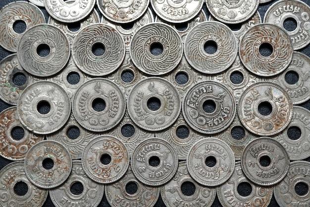 Ancienne pièce de monnaie thaïlandaise émise 80 ans en arrière de la thaïlande siam 1510satang rama viii