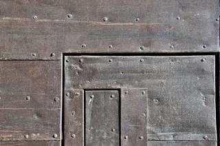 Ancienne porte, rivets