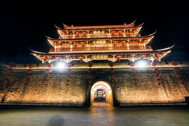 Ancienne tour de la ville de chaozhou, province du guangdong, chine guangji tower