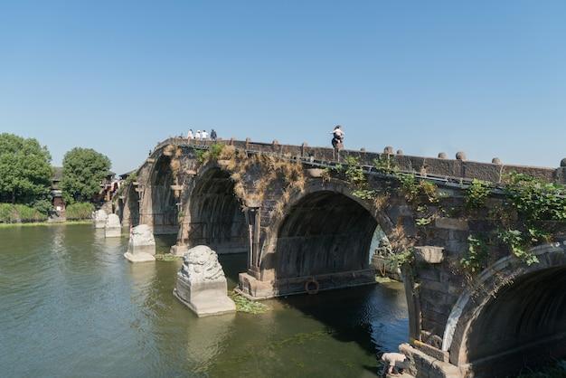 Ancienne ville de tangxi, pont en pierre à hangzhou, ancienne ville de chine