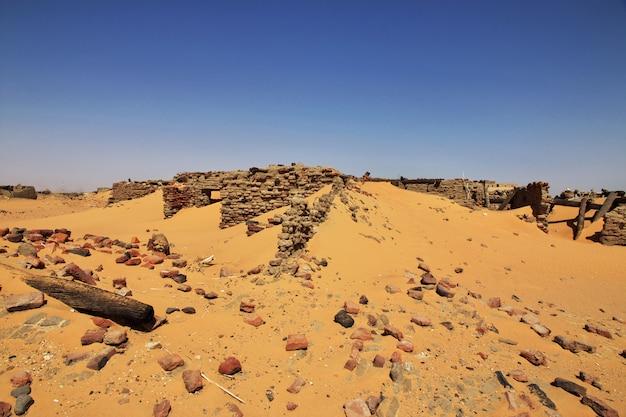 Anciennes ruines, vieille dongola au soudan, désert du sahara, afrique