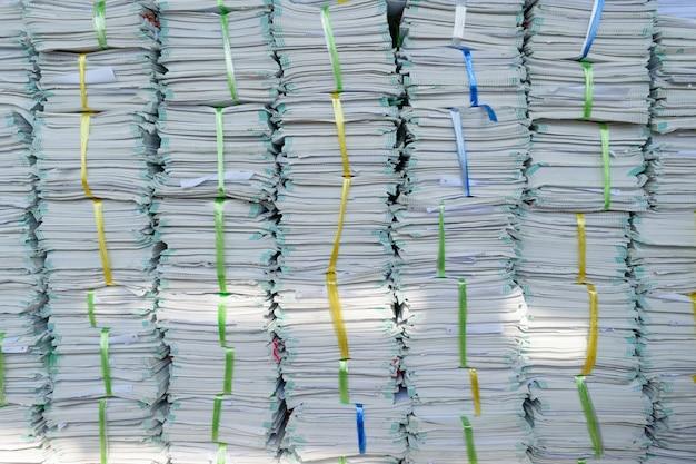 Les anciens fichiers s'empilent dans un ordre désordonné.