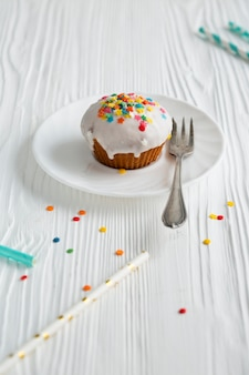 Angle élevé de cupcake glacé